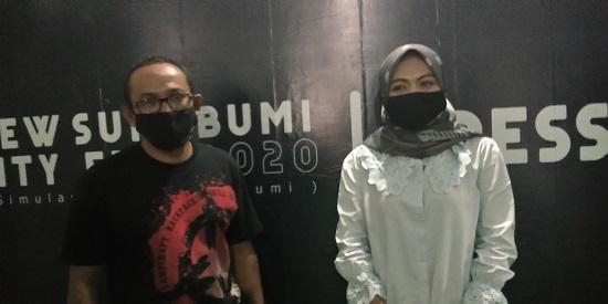 Direktur CV Matahati Universal Aisah Solehah didampingi Tommy Ardian selaku ketua event Gowes Wisata Sukabumi