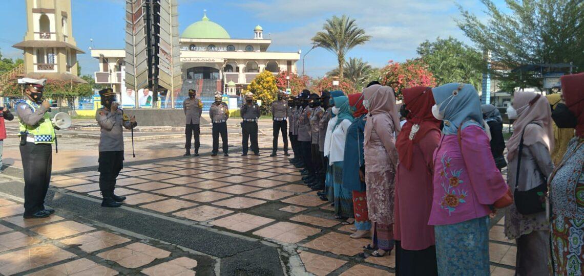 Kapolresta Banjar, AKBP Melda Yanny saat memberikan sambutan di Hari Kartini. (Foto : Nanang Yudi/dara.co.id)