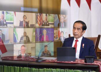 Presiden Joko Widodo menghadiri Global COVID-19 Summit yang digelar secara virtual, dari Istana Kepresidenan Bogor, Jawa Barat, Rabu (22/09/2021). (Foto: BPMI Setpres/Lukas)