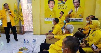 Anggota DPR RI Fraksi Golkar Agun Gunandjar Sudarsa, saat menghadiri peringatan HUT Partai Golkar ke-57 di kantor DPC Golkar Kota Banjar, Jawa Bara, Rabu (20/10/2021). (Foto:Bayu/dara.co.id).